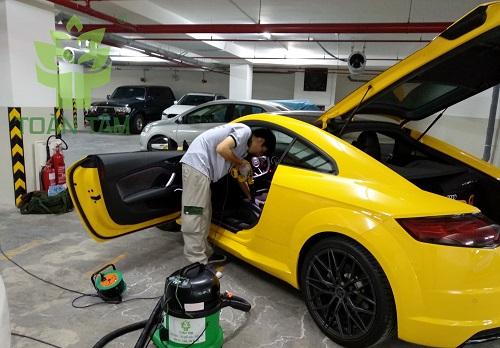 dịch vụ dọn nội thất xe hơi