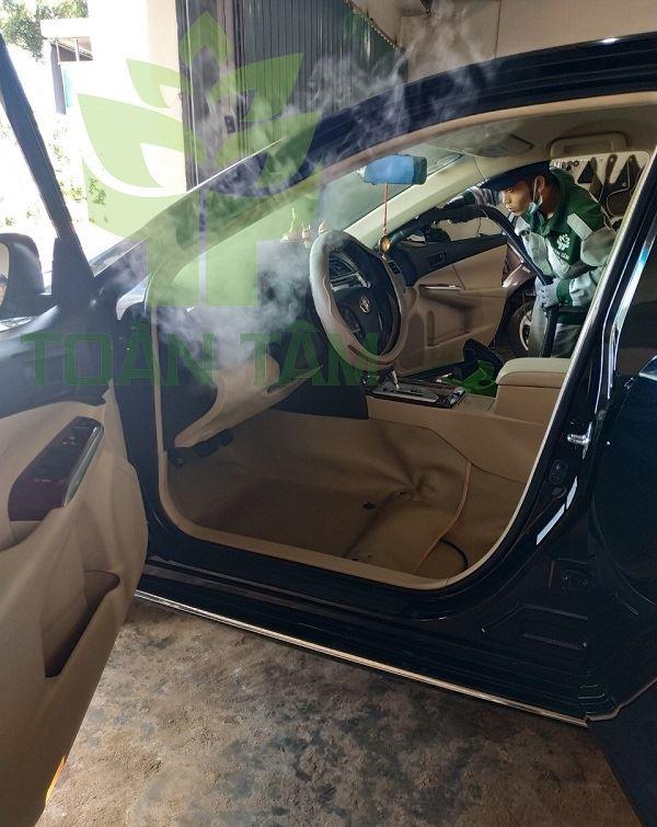 dọn nội thất xe hơi tại bình dương